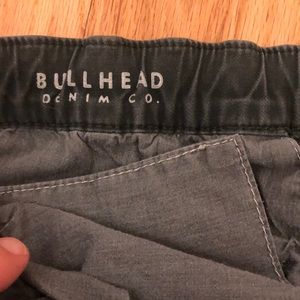 Bullhead Denim Co. Dark green Jeans zip detail